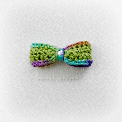 PistachioGreen Hair Bow Comb, Variegated Edges, Bling Center