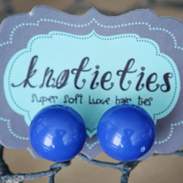 knotiegumball earring - blueberry