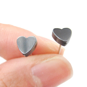 Classic Heart Silhouette Shaped Small Stud Earrings in Gunmetal Silver