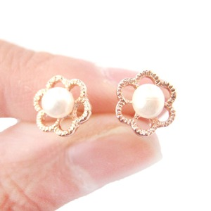 Classic Floral Flower Shaped Pearl Stud Earrings in Rose Gold