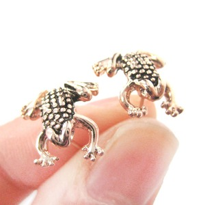 Realistic Frog Shaped Animal Toad Themed Stud Earrings in Rose Gold
