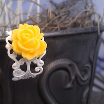 Yellow/White Rose Filigree Ring