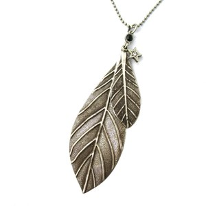 Realistic Classic Leaves Shaped Floral Pendant Necklace in Silver
