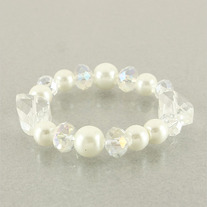 Clear Beads and Pearls Bracelet