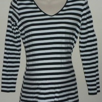 Black/White Stripe Long Sleeve Shirt-Liz Lange Maternity Size XS  CLTE1