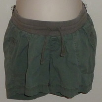 Green Shorts-Motherhood Maternity Size Large  0202132
