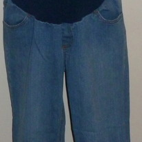 Denim Capris-Motherhood Maternity Size Medium  02043