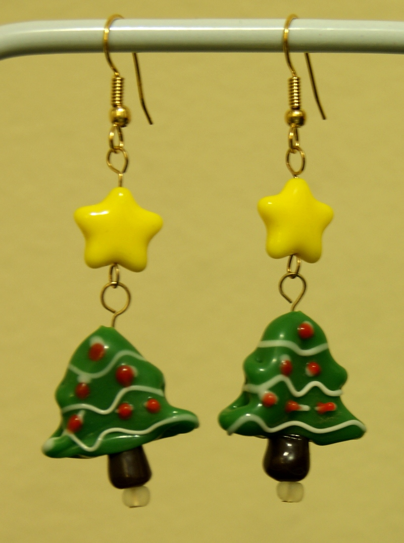 Glass christmas tree earrings · dragonistic online store