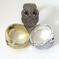 1 gold silver OR gunmetal tone acrylic owl hinged bracelet bangle
