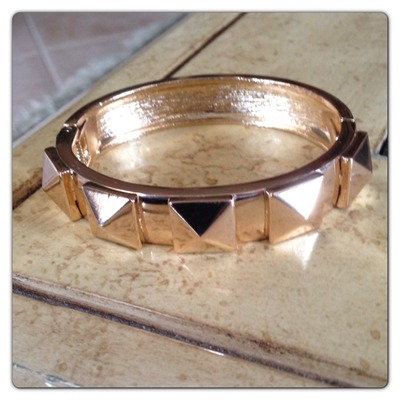 Gold tone pyramid bangle bracelet