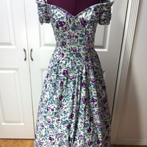 S size 4 purple blue green off-white ruched short sleeve rose princess dress