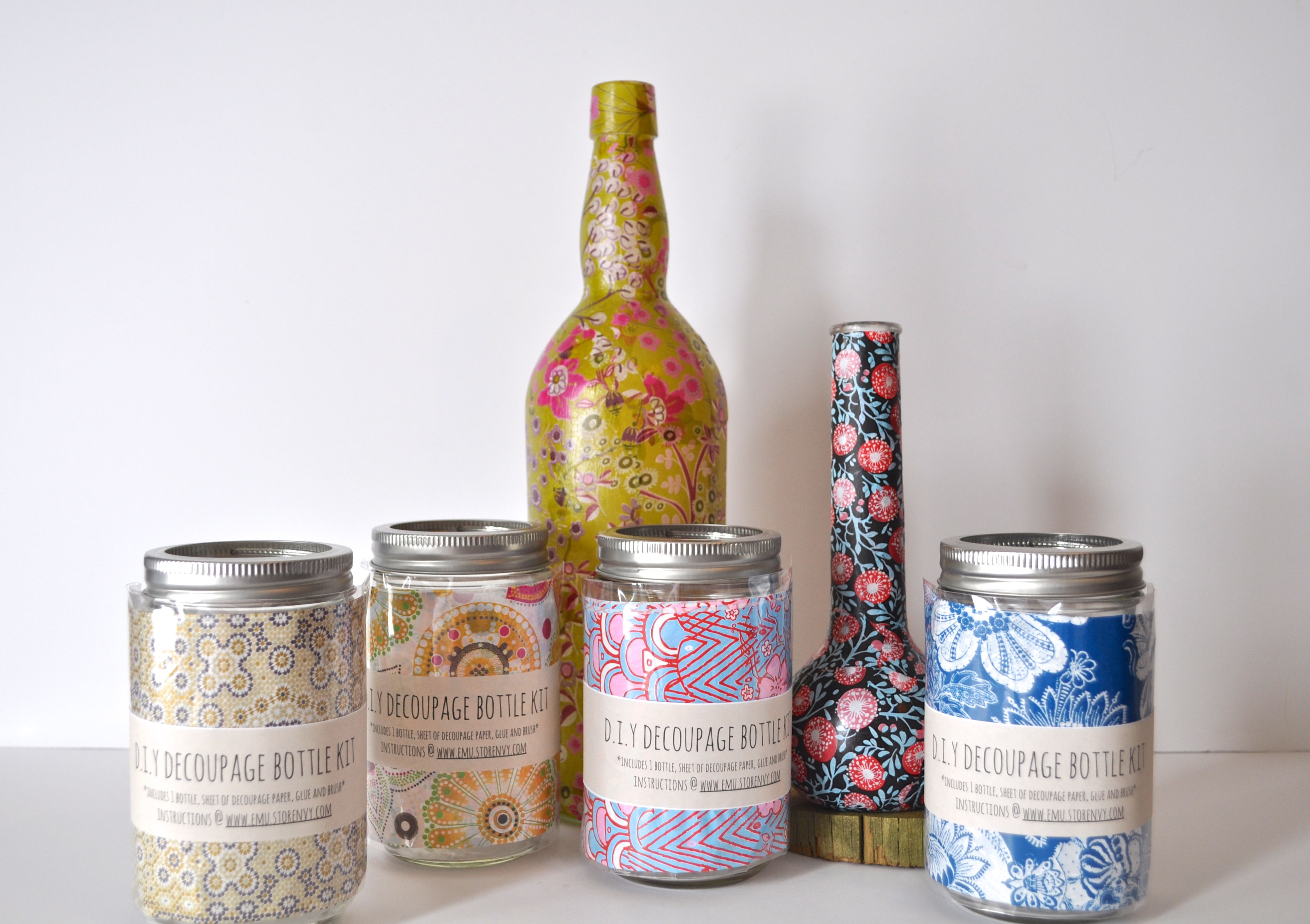 Decoupage bottles with their own hands