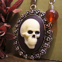 Skeleton Cameo Necklace - Sideview Skull