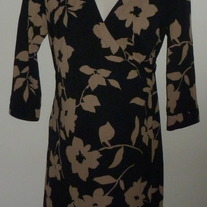 Black/Tan Wrap Dress-NEW-A Pea in the Pod Size Small  SF0413