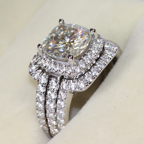 Charmant Thumbnail; 4CTTW 3CT Center Cushion Cut NSCD Simulated Diamond Engagement Wedding  Ring   SHOWSTOPPER!