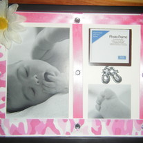 Pink camo daisy and gem photo frame