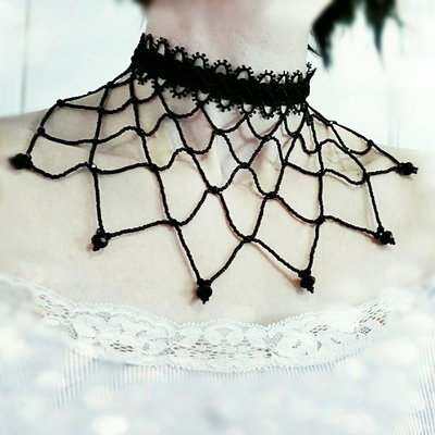 Exquisite gothic lace choker