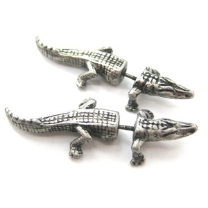 Fake Gauge Crocodile Alligator Animal Stud Earrings in Silver
