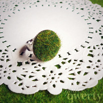 Lush Green Grass Ring (Round)