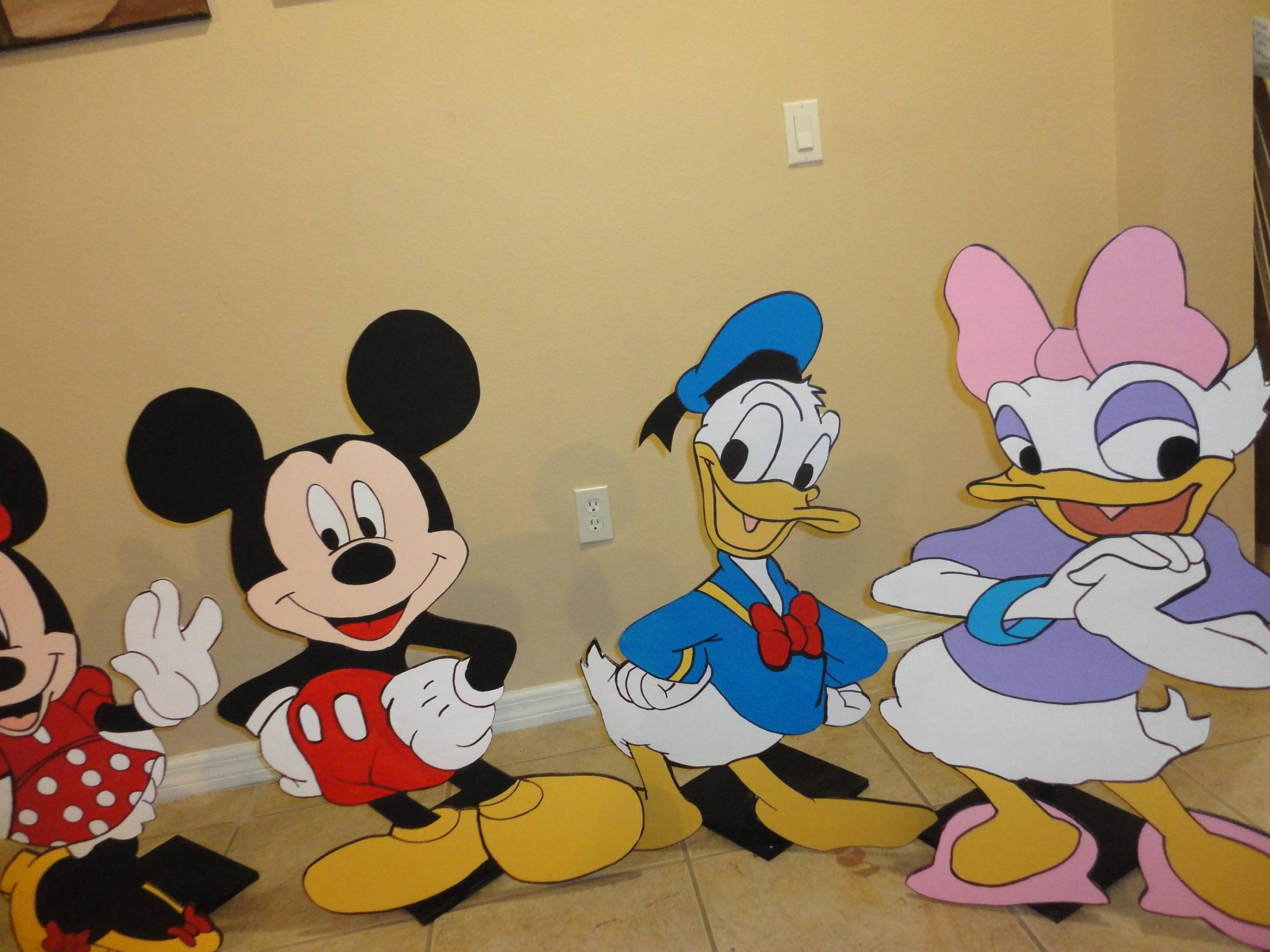 Adorable Decorations | Mickey Mouse Clubhouse - Birthday Decoration ...