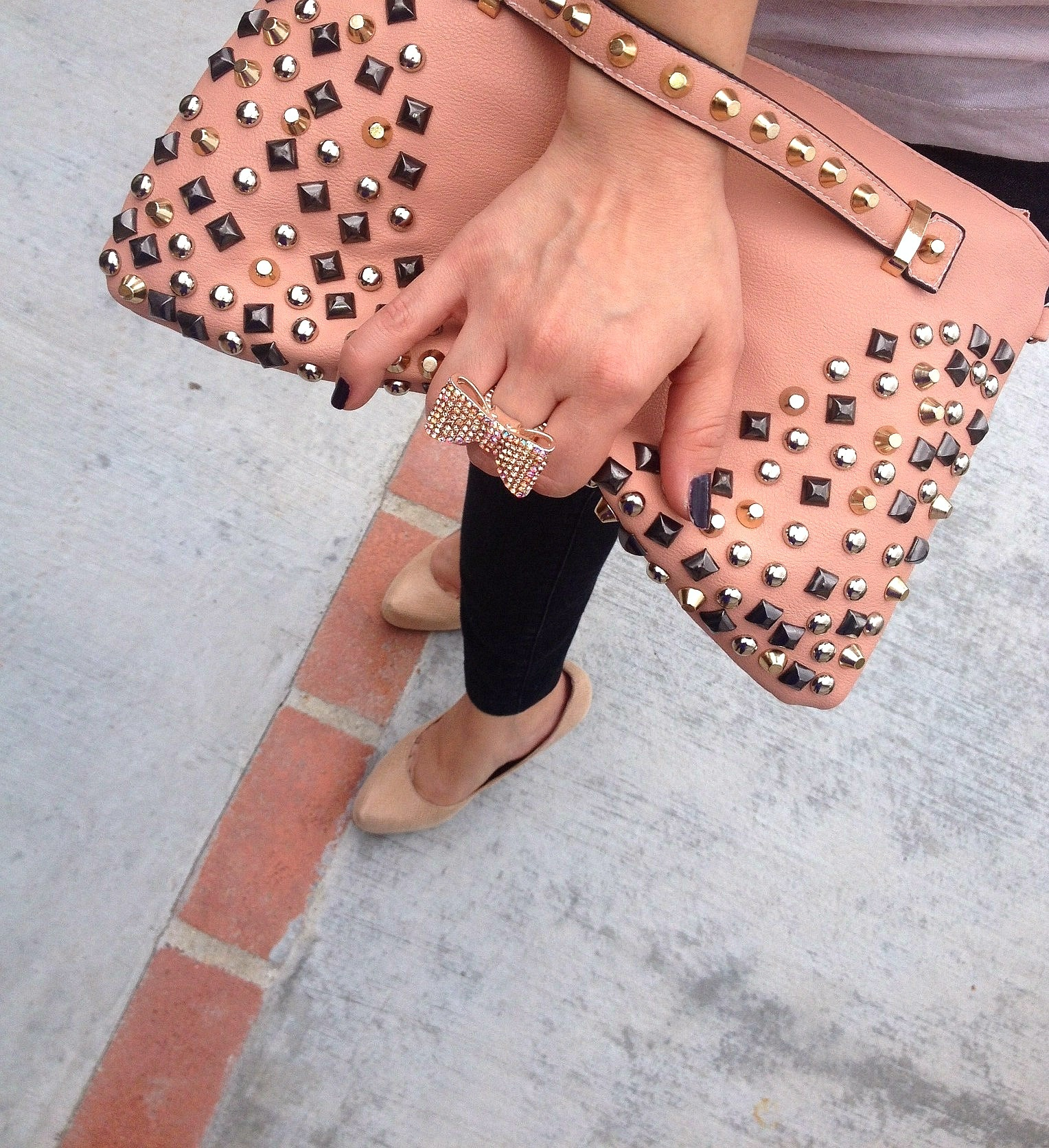 http://shopfairytale.storenvy.com/collections/301686-handbags-clutches/products/2013921-studded-clutch