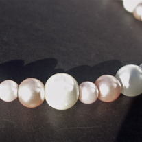 "15"" Multitone pearl necklace"