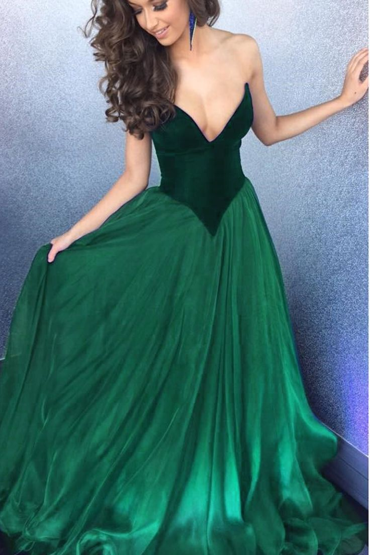 2017 Emerald Plunging V Neck Velvet Top A Line Tulle Prom Evening ...