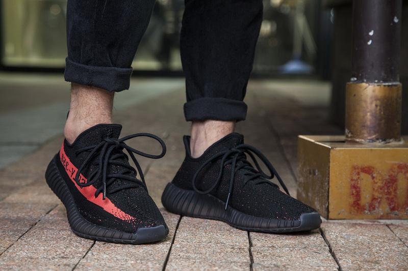 23cf4dc1f ... Fashion Adidas Yeezy Boost 350 V2 black red sports shoes - Thumbnail 4