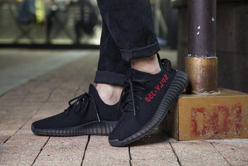83d574af2 ... Fashion Adidas Yeezy Boost 350 V2 black sports shoes - Thumbnail 4