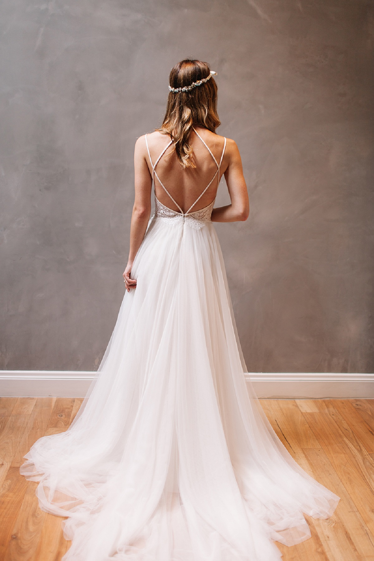 Wedding dress sexy back