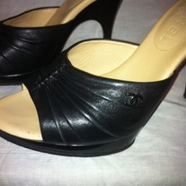 CHANEL SUMMER BLACK LEATHER Slide Shoe