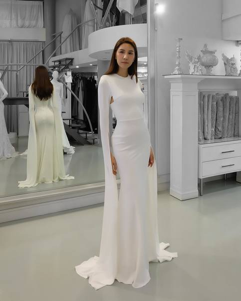 Elegant White Mermaid Prom Dress Floating Long Sleeves