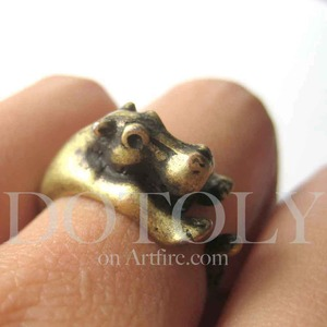 Miniature Baby Hippo Ring in Bronze Sizes 4 to 9 available
