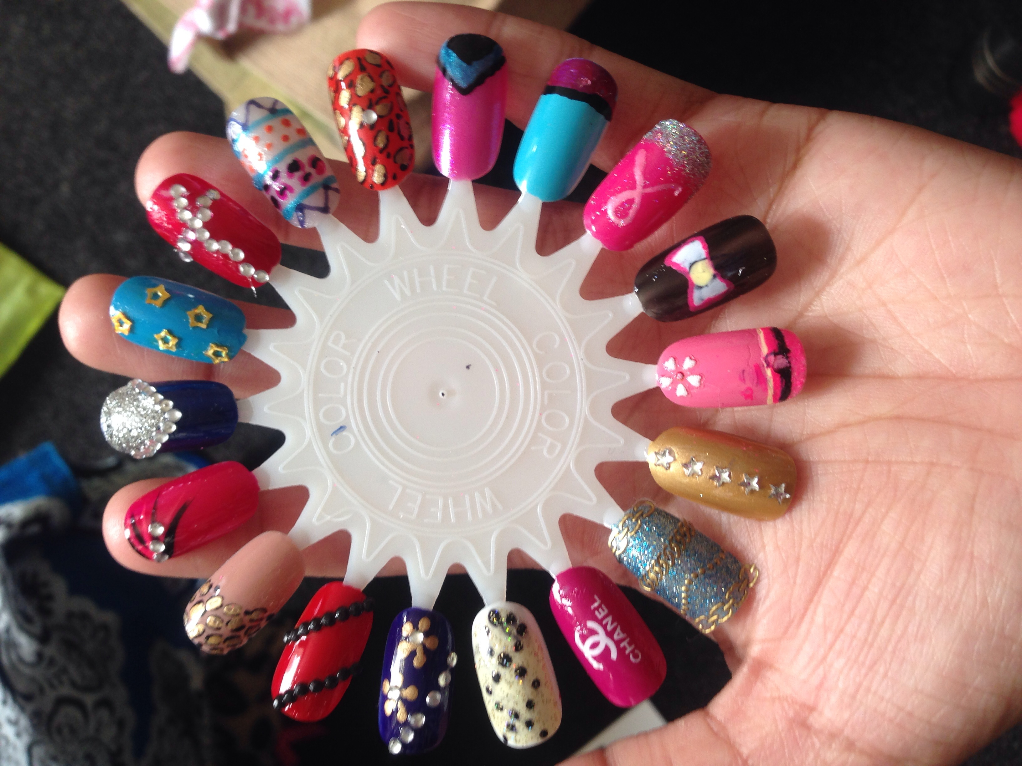 Nail designs/Nail art customised False Nails · Prettypunkycosmetics ...