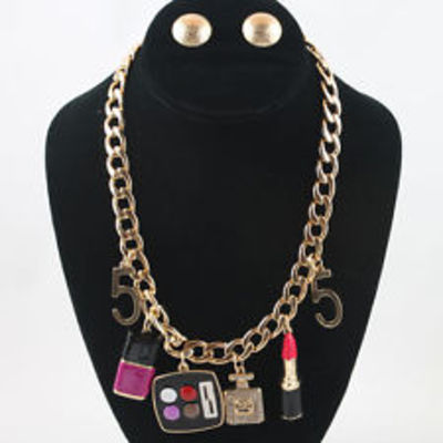 Make up lover's charm necklace