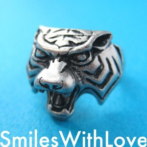 Tiger Animal Ring in Silver - Available in sizes 6 to 8