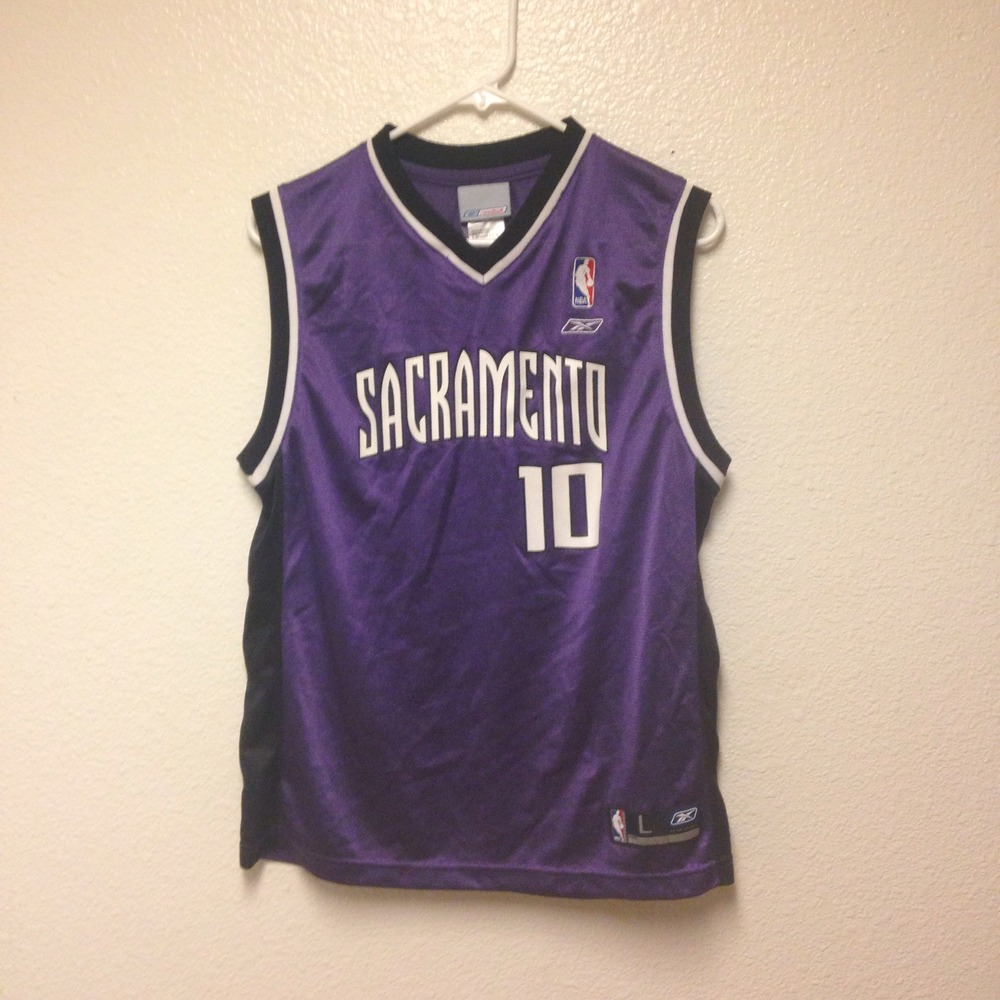 new concept 0d683 c45c5 Mike Bibby Sacramento Kings Reebok Jersey Youth Large from Kings Court  Vintage