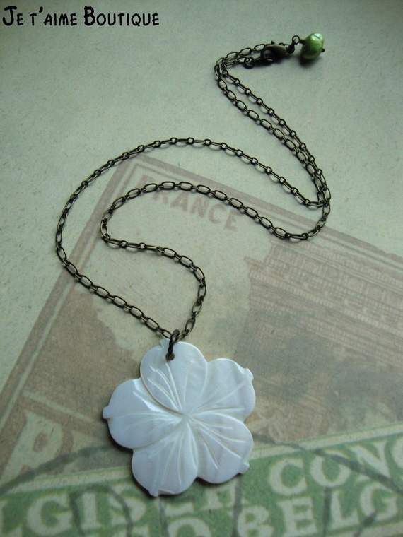 Aloha Tropical Island Necklace With Mother Of Pearl