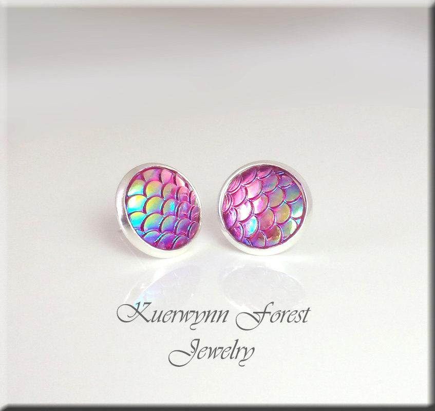 Beautiful mermaid-scale earrings.