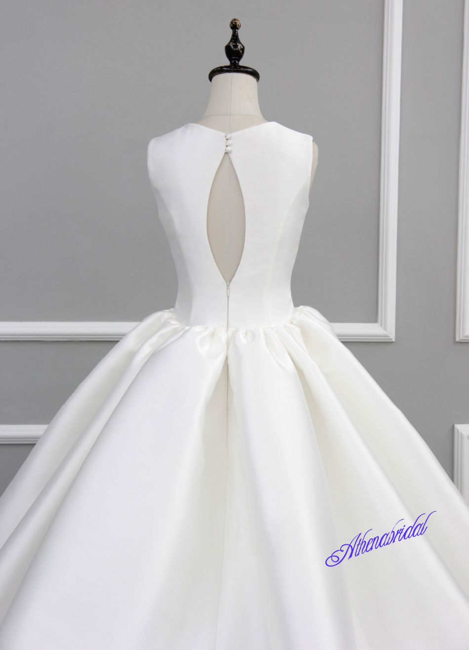 White wedding dress, strapless wedding dress, simple wedding dress ...