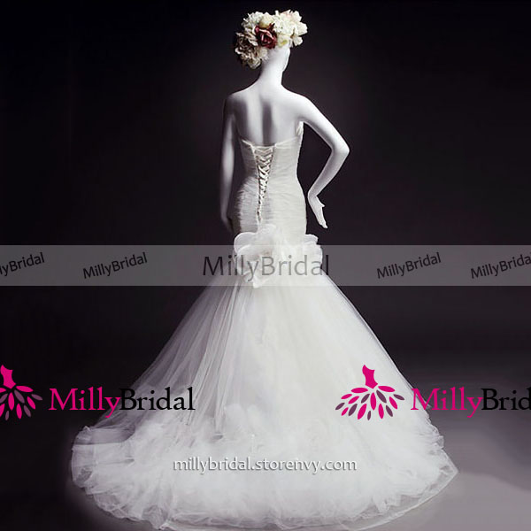 Luxurious Sweetheart White Long Wedding Dress Ruched Trumpet Tulle