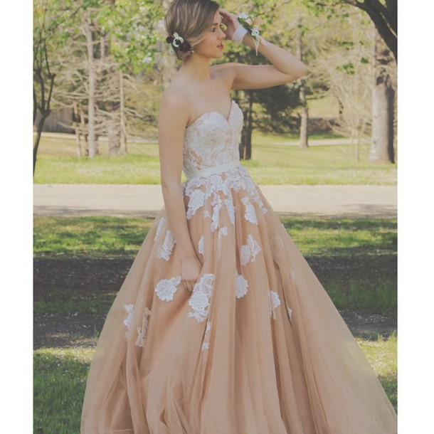 F86 Elegant Sweetheart Long Champagne Prom Dress with White Lace ...