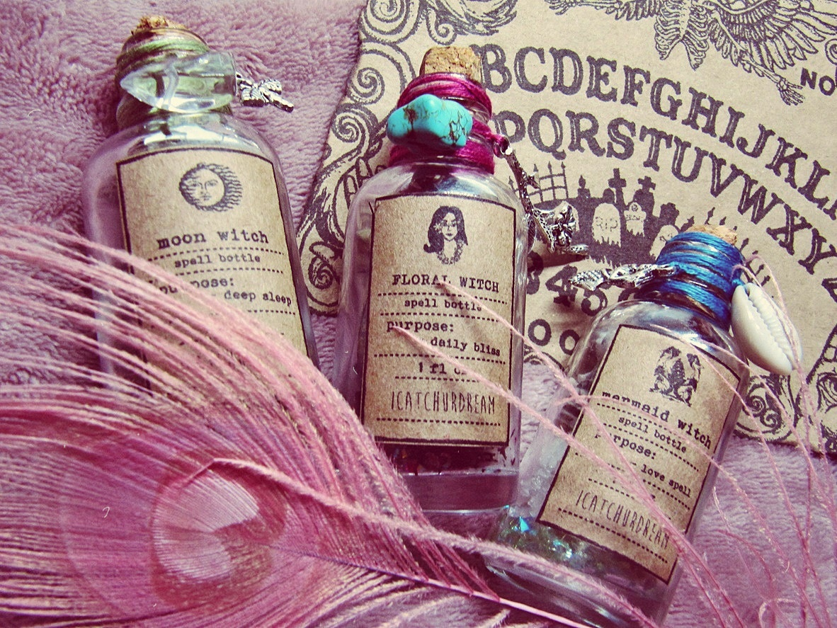 Spell Bottle Decor - Magic Altar Kit - Bohemian - Witchcraft Decor -  Apothecary Bottles - Pagan Altar Tool - Boho Witch - Herbs Aromatherapy