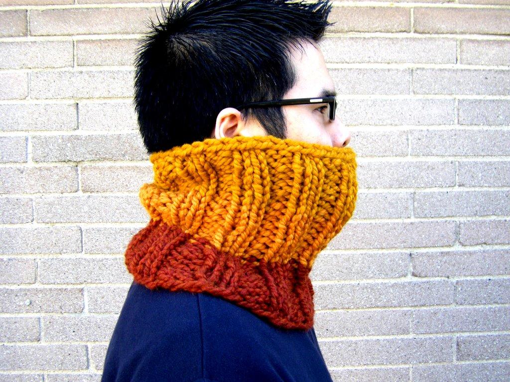 4eb4e540a87 Chunky Hand-Knit Cowl - 80% Wool 20% Acrylic · MasHatShoppe · Online ...