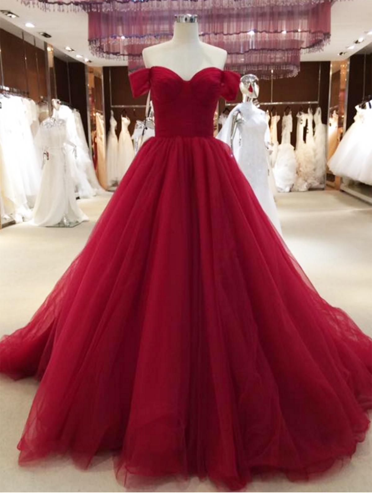 Sweetheart Neckline Evening Gowns