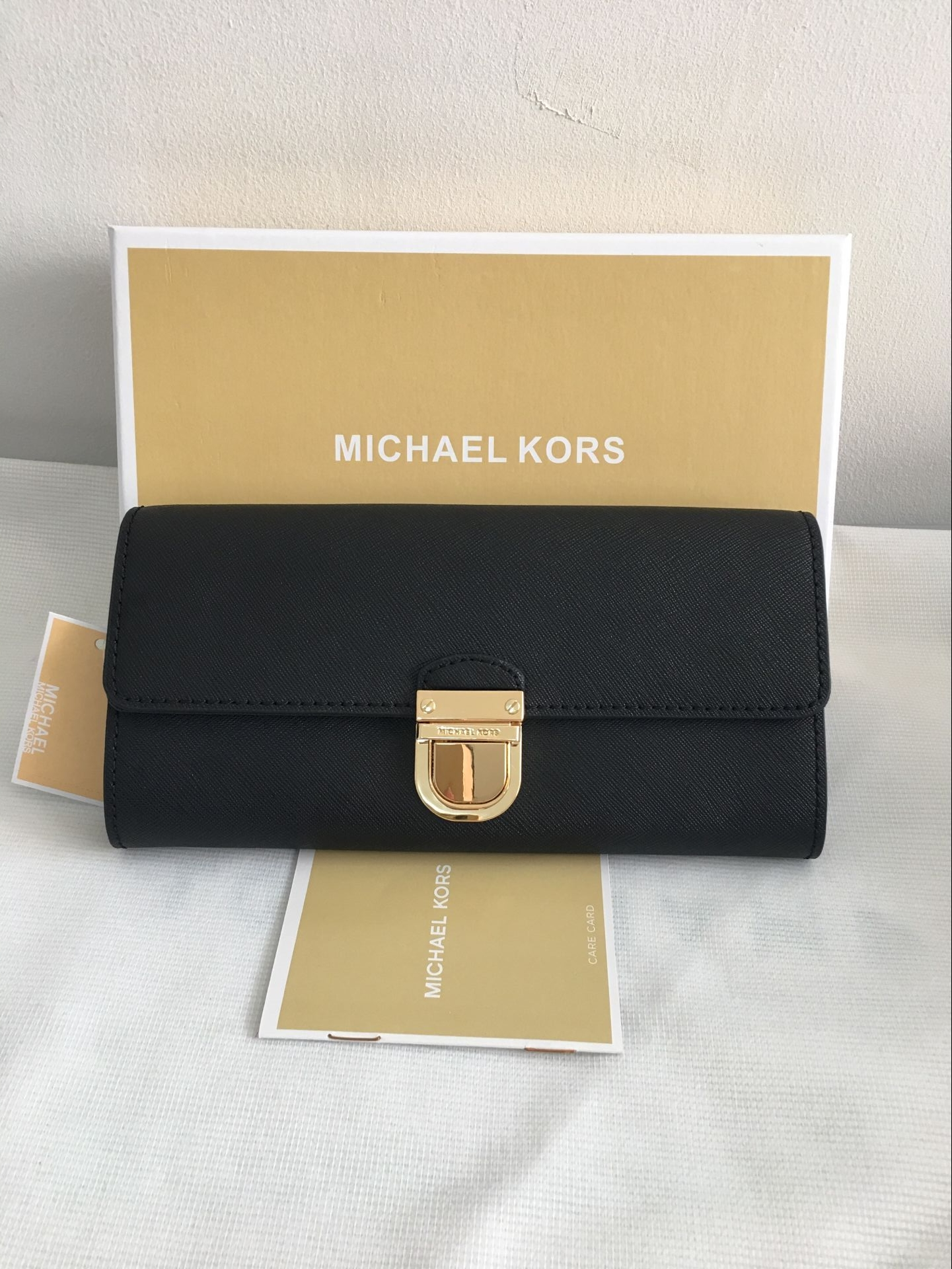 b4133caaef68d9 Authentic Michael Kors Saffiona Leather Bridgette Flap Wallet Black ...