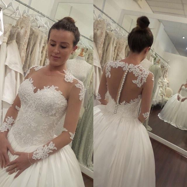 3d9c0a5b9be0 Elegant White Long Sleeves Lace Appliques Wedding Dress · halundress