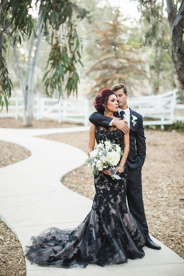 69a92417f2e62 Vintage Black Mermaid Tulle Wedding Dresses Sheer Crew Neck Appliques Bridal  Gowns