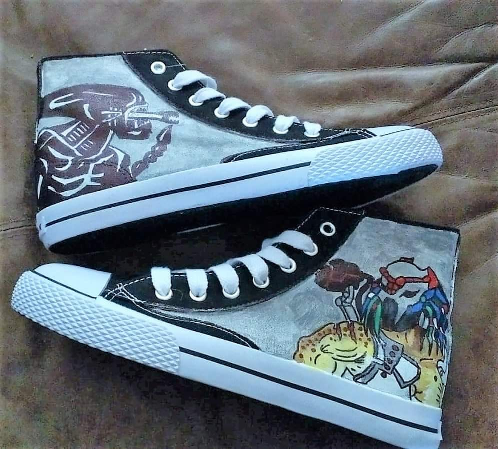 ogromny zapas najlepiej tanio obuwie Alien vs Predator hand painted Converse shoes from Heart and Soles