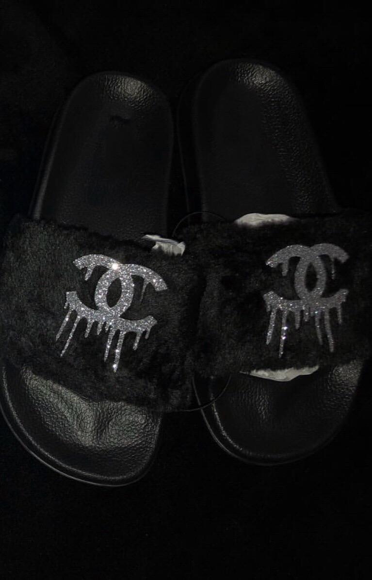 d14e25f23a55e Custom fur slides- Black